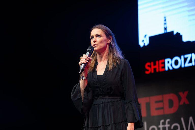על גבורה נשית אמיתית ב-TedXJaffa